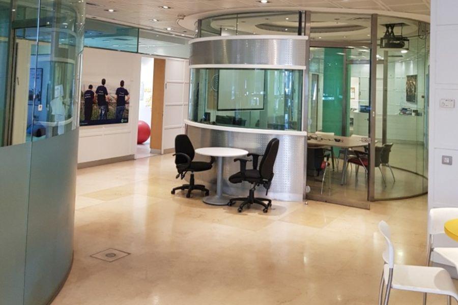 משרד להשכרה בשרונה - תמונה 1
